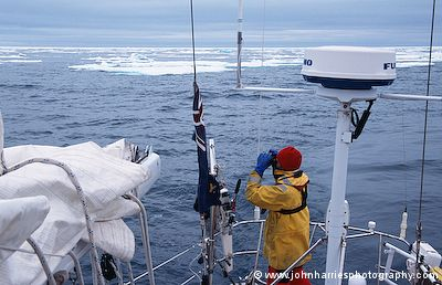 Why Aft Pole Mounted Radar Scanner Better Than Mast Mounted