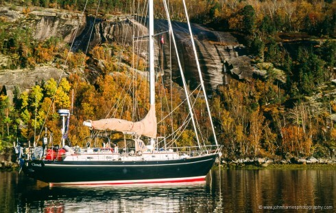 S/V Morgan's Cloud at anchor at Ørnes in the fall.